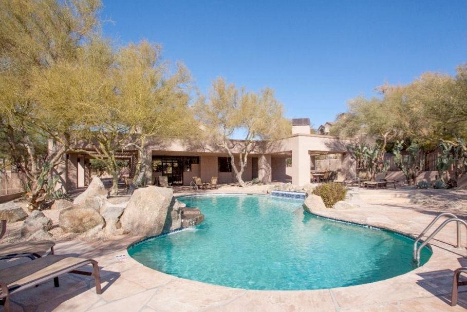 Ballantrae Ridge Pool at Troon Village Homes in Troon Scottsdale
